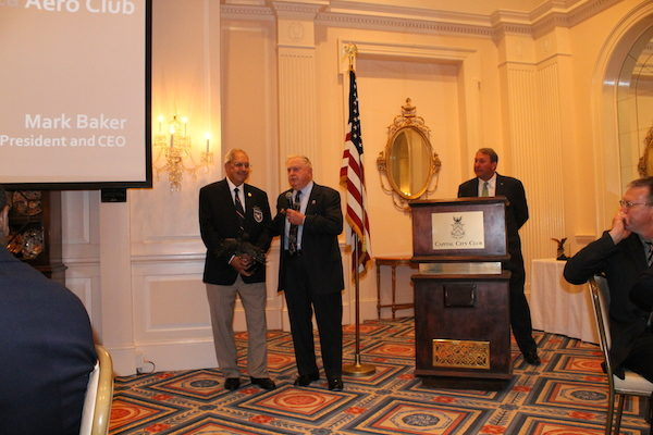 Julius Alexander Receives Epps Aviation Award